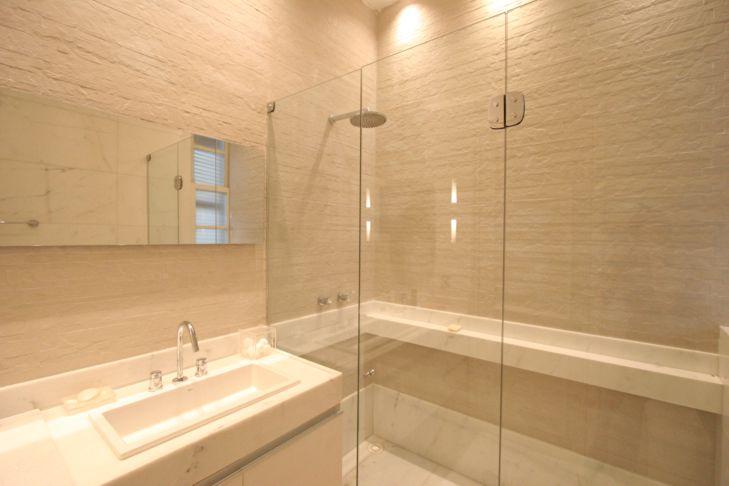 Acabamento de Banheiro  Pisos e Revestimento  Construdeia -> Acabamento Banheiro Com Banheira