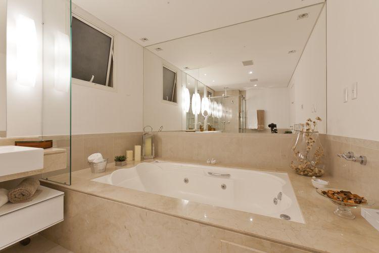 Banheiro com Banheira Retangular  Casa e SPA  Construdeia -> Banheiro Com Banheira