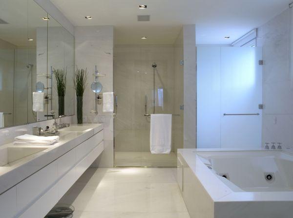 Banheiro com Banheira Retangular  Casa e SPA  Construdeia -> Acessorios Para Banheiro Com Banheira