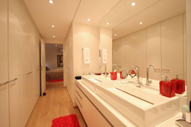 Banheiro com Closet Integrado  Fotos e Imagens  Construdeia -> Closet Com Banheiro Integrado Pequeno