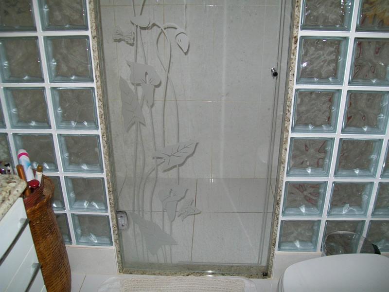 Box com Tijolo de Vidro  Blindex e Temperado  Construdeia -> Banheiro Pequeno Com Box De Tijolo De Vidro