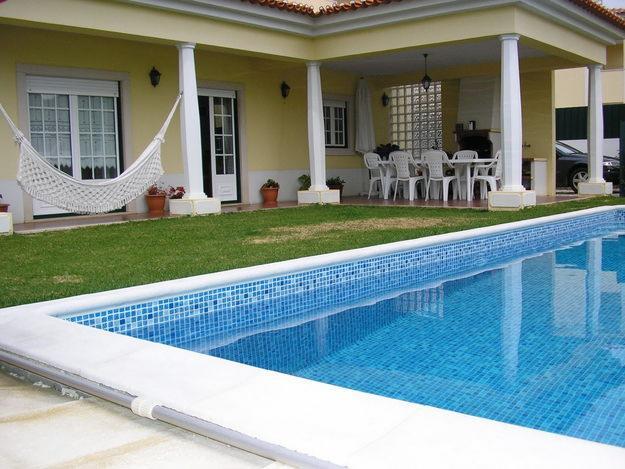 Casa de campo com piscina for Modelos de piscinas de campo