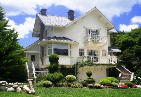 Fotos de casas de alvenaria com varanda