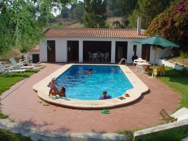 Fotos de casas con piscina imagui for Piscinas para casas