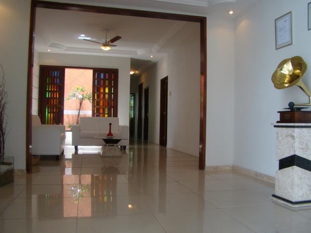Casas com pisos porcelanato acabamento e revestimento for Pisos para casas pequenas