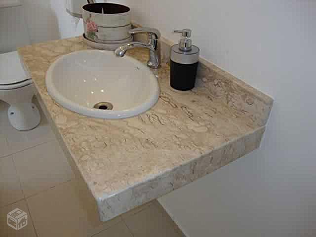 Lavatà ³rio Com 3 Cubas De Louà §a Embutida Granito Santa Cecà lia Pictur -> Cuba Para Banheiro Santa Cruz Acabamentos