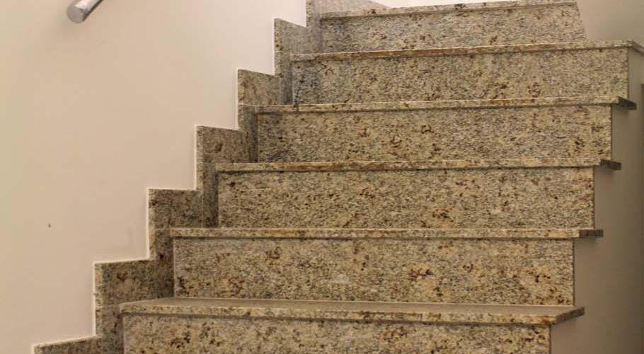 Escada de Mármore - Pisos e Pedras | Construdeia