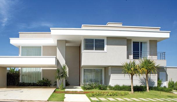 Fachada de casas modernas com telhado embutido escondido for Casa moderna 80m2