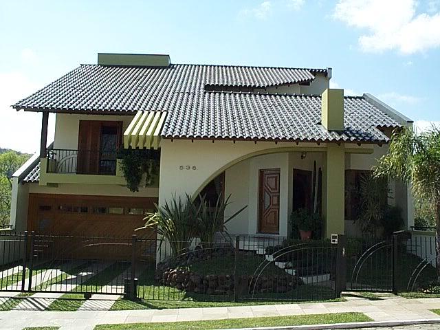 Fachadas de casas bonitas com telhados for Casas pequenas con fachadas bonitas
