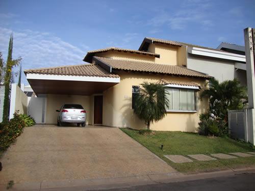 Fachadas de casas bonitas com telhados for Fotos de casas modernas brasileiras