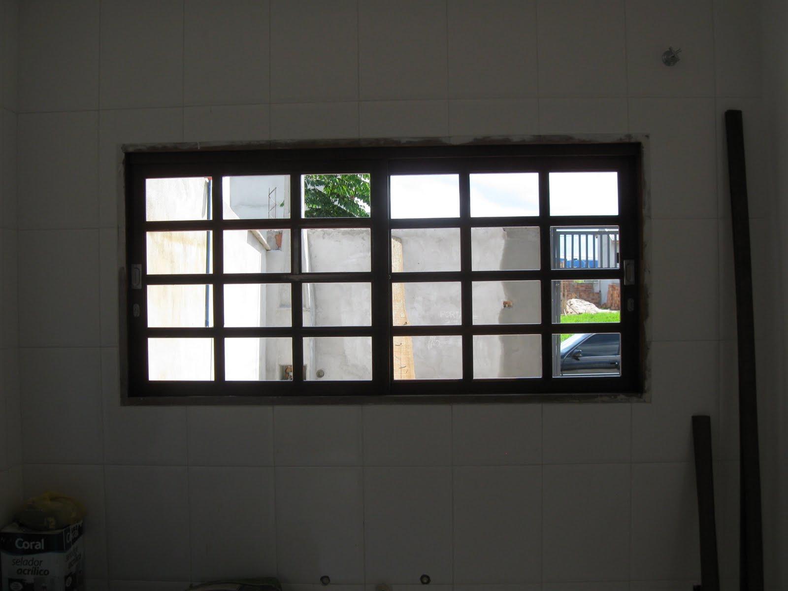 Janela para Cozinha Madeira e Alumínio Construdeia #46653C 1600 1200
