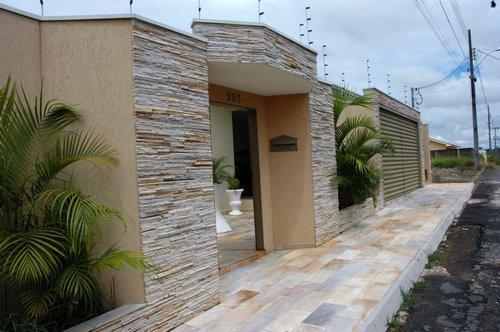Muro de casas com pedras decorativas revestimento for Mamparas decorativas para casa