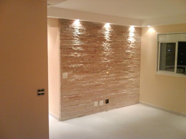Pedras decorativas pedras pisos for Azulejos para paredes interiores