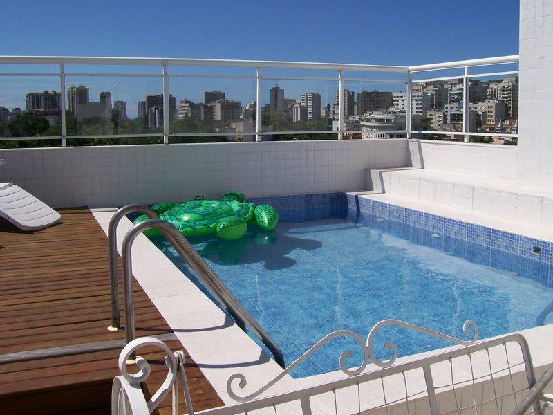 Piscina na cobertura concreto e casa construdeia for Coberturas para piscinas