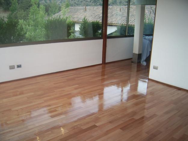 Pisos de cer mica madeira porcelanato e laminado for Modelos de ceramica para pisos de sala
