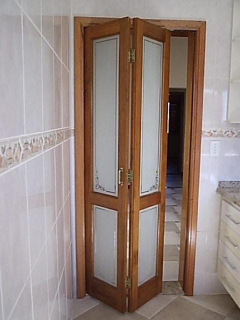 Porta camar o de madeira for Puerta corrediza externa