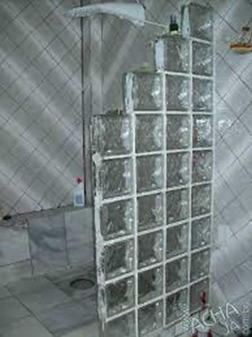 Tijolo de Vidro para Banheiro  Parede e Blocos  Construdeia -> Pia De Banheiro Feita Com Tijolo De Vidro