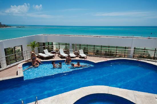 Piscina na cobertura concreto e casa for Cobertura piscina