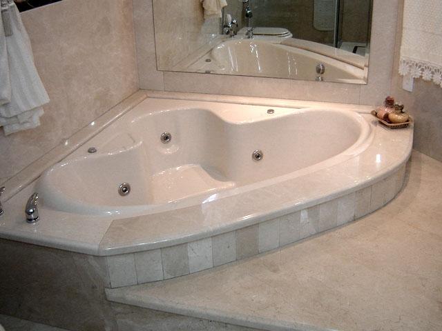 Banheira para Apartamento  Casa e Projeto  Construdeiacom -> Fotos De Banheiro Com Banheira De Hidro