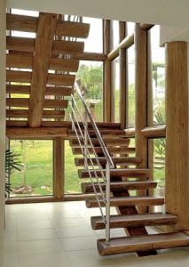 Madeira Rústica para Escada