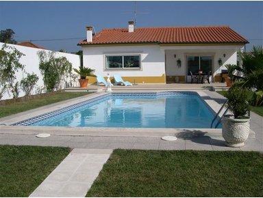 Casas com piscina projeto e modelos for Modelos de piscinas para casas