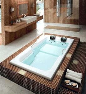 Banheiro com Banheira Retangular