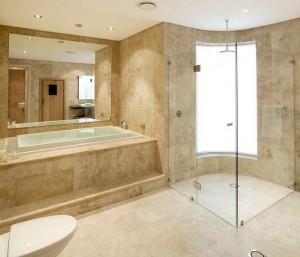 Banheiro com Interior de Mármore