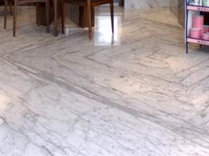 Piso de Mármore Carrara