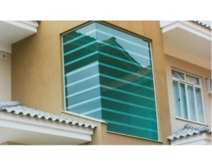 Janela de Vidro Temperado Verde