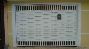 Portão de Garagem de Alumínio, de Madeira e de Ferro