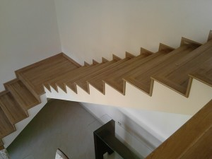 Escada de Piso Laminado