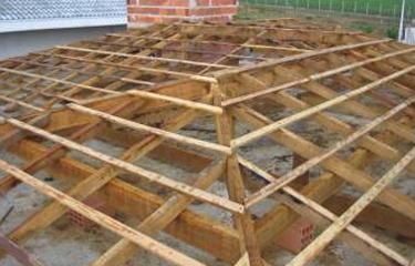 Como fazer madeiramento de telhado quatro aguas