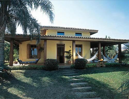Fachada de casa de campo simples e luxo for Fachadas de casas de campo