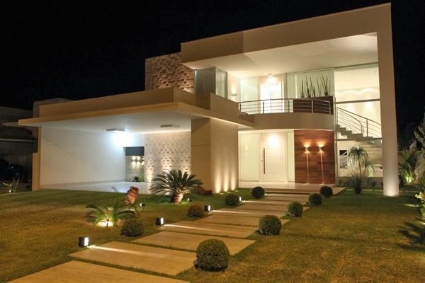 Sobrado moderno telhado embutido projeto e constru o for Casa moderna 2 andares 3 quartos