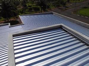 Melhor telha para telhado embutido