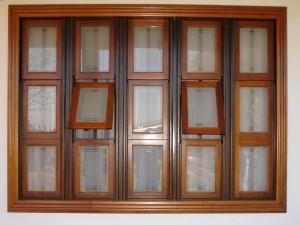 Janela de Madeira com Vidro para Sala