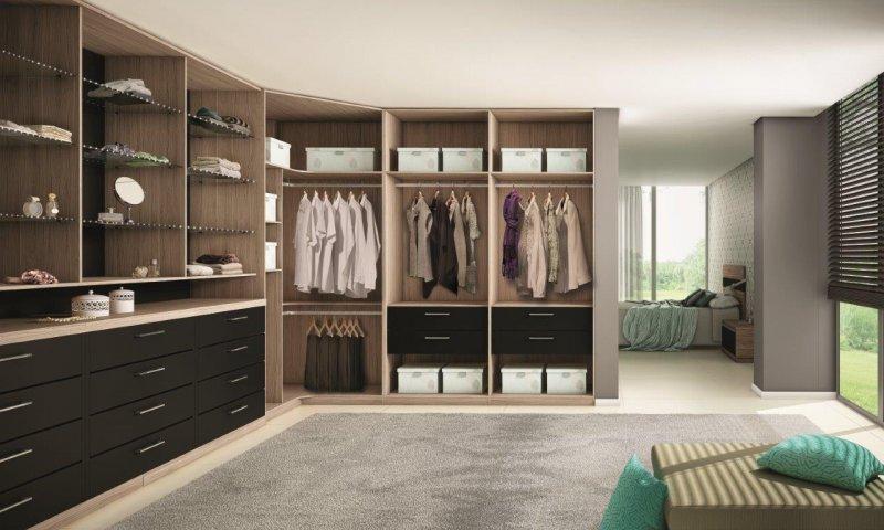 Closets planejados em l projetos e constru o for Modelos de zapateras para closets