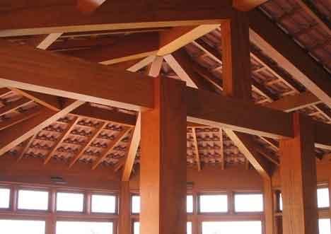 Como construir um telhado colonial